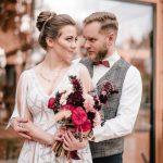 Burgundy & Gold autumn  wedding inspiration